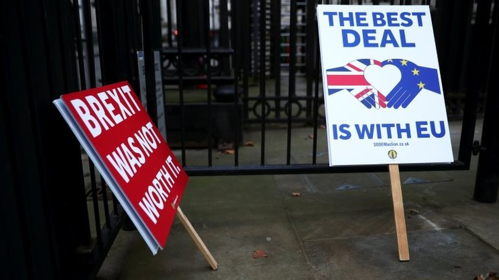Anti-Brexit signs placed at the gates of Downing Street in London. Photo: 24 December 2020