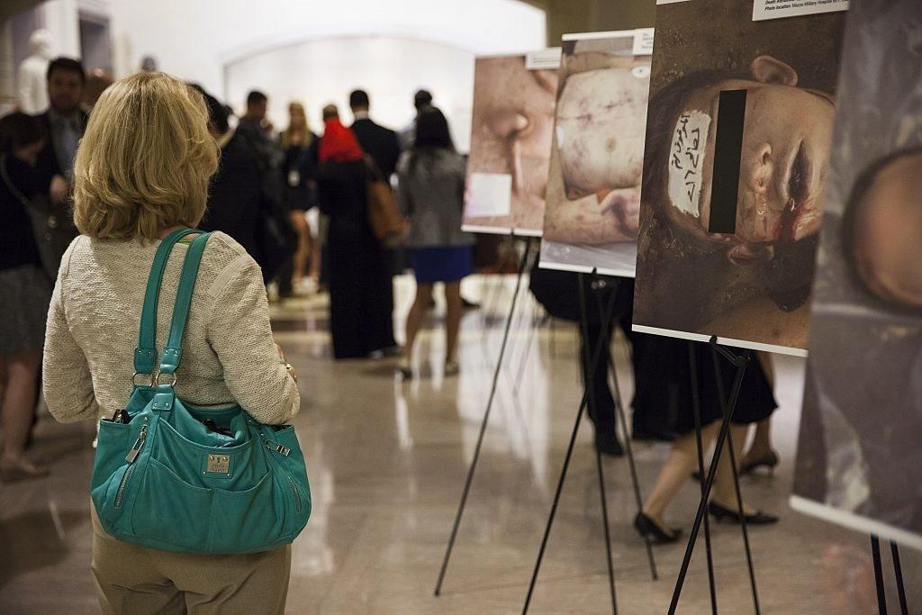 معرض صور فوتوغرافية من داخل السجون السورية للمصور العسكري سيزر