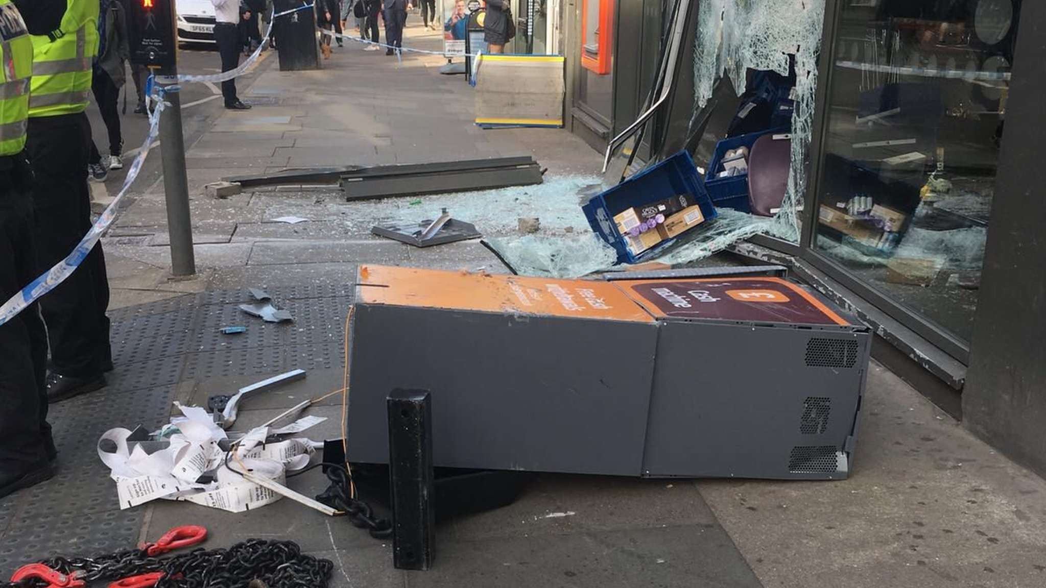 Men in balaclavas remove ATM from Sainsbury's wall