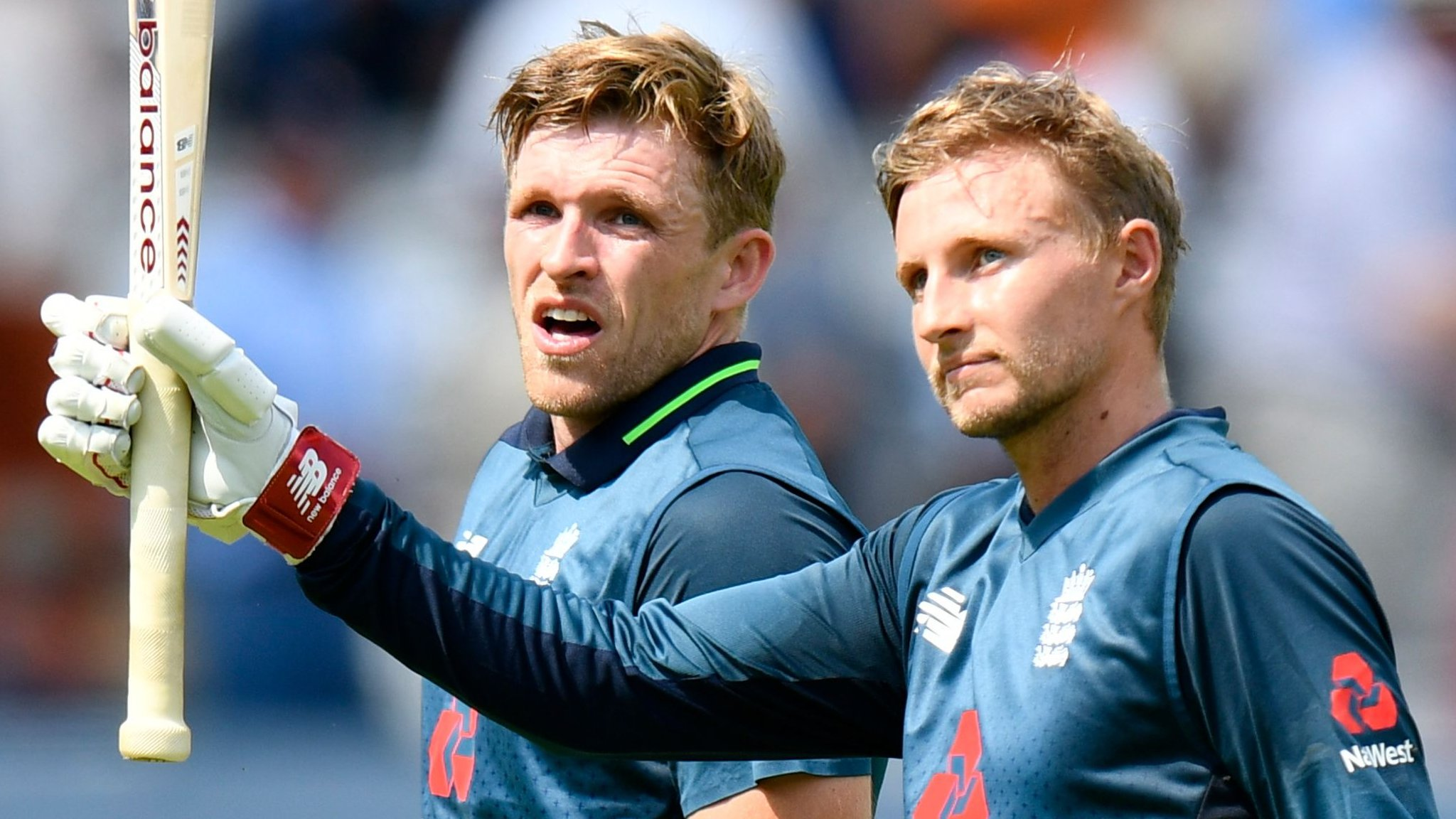 Root's ton helps England level series against India