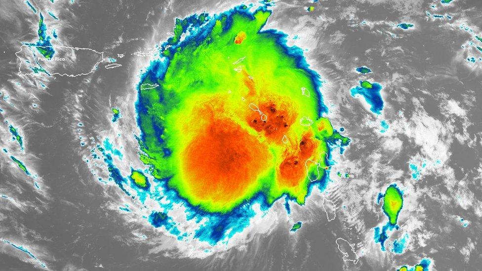 tormenta tropical Dorian