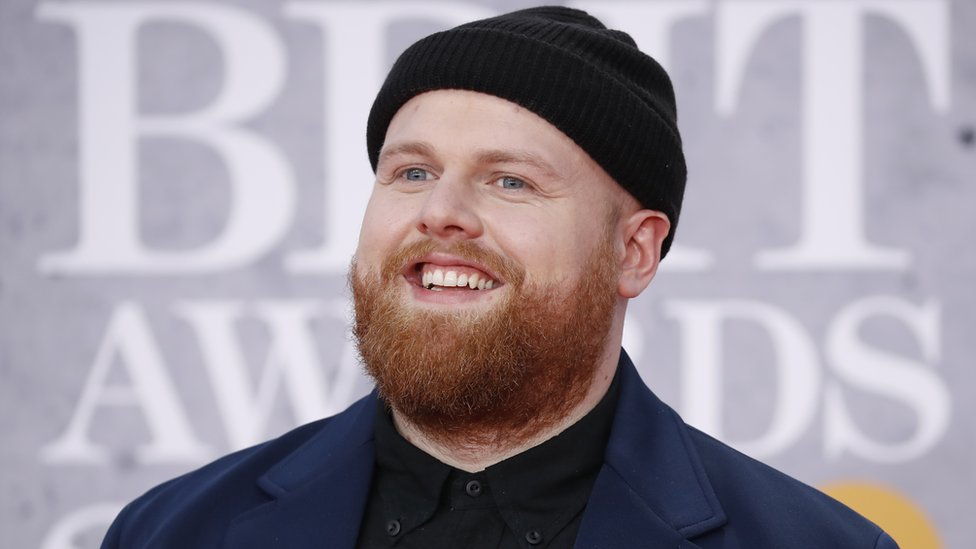 Tom Walker and Calvin Harris win Brit awards