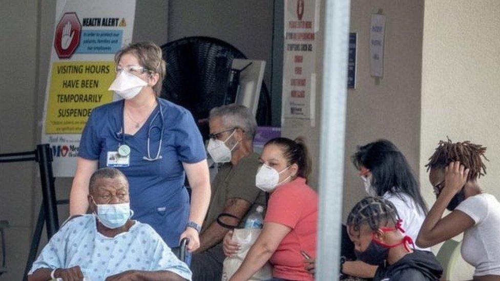 وحدات العناية المركزة في العديد من مستشفيات فلوريدا وصلت إلى طاقة استيعابها القصوى