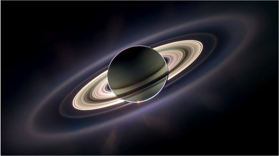Saturn's spectacular rings are 'very young'