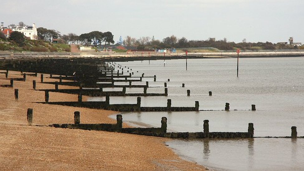 Essex beach closed over 'unexploded ordnance'