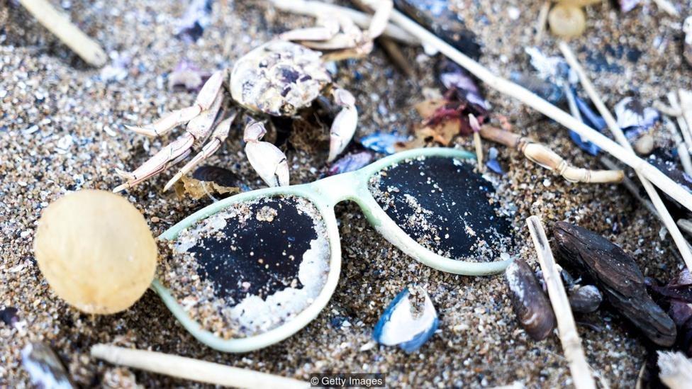 Alternatif plastik dari bahan alami bisa membantu kita membalikkan pelonjakan sampah plastik di lautan