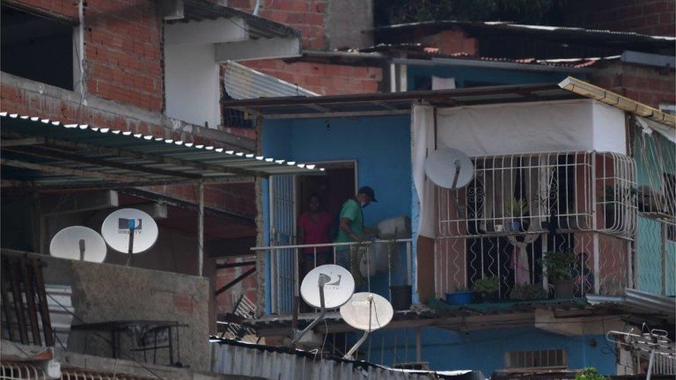 Terrazas con antenas en Caracas.