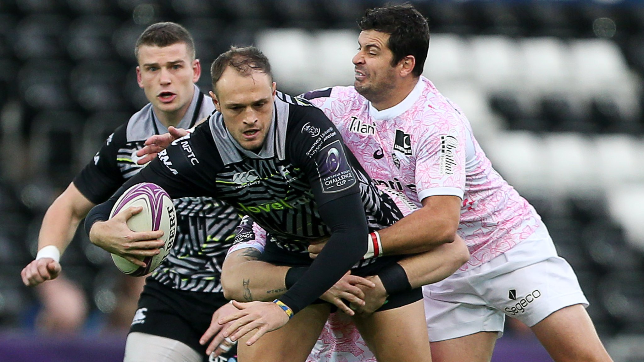 Ospreys top Challenge Cup pool after win over Stade