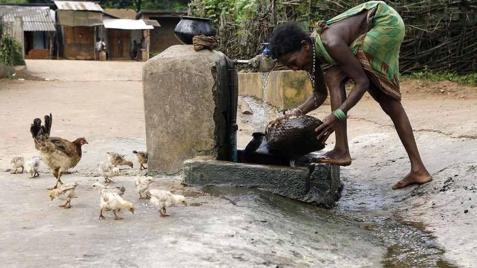 الكوليرا من الأمراض المرتبطة بالماء وتنجم عن تناول طعام أو شرب ماء ملوث بالبكتريا، وينتشر في المناطق الساحلية.