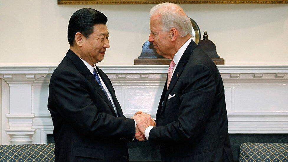2012年習近平訪美,與拜登在白宮會面。
