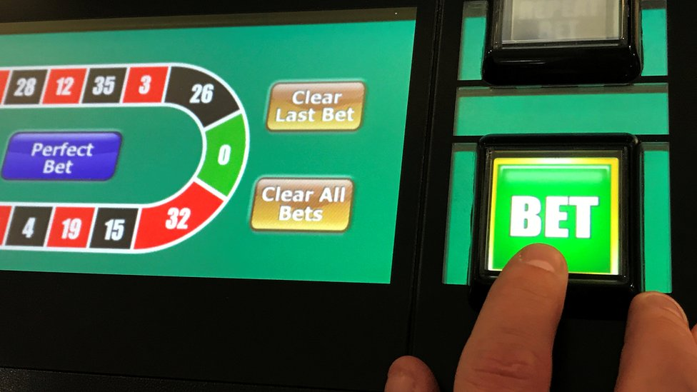 More gamblers 'self-excluding' as online betting grows