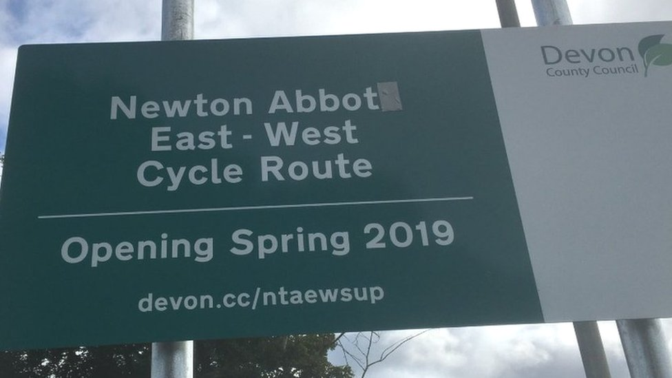 Newton Abbot: Council misspells town's name on sign