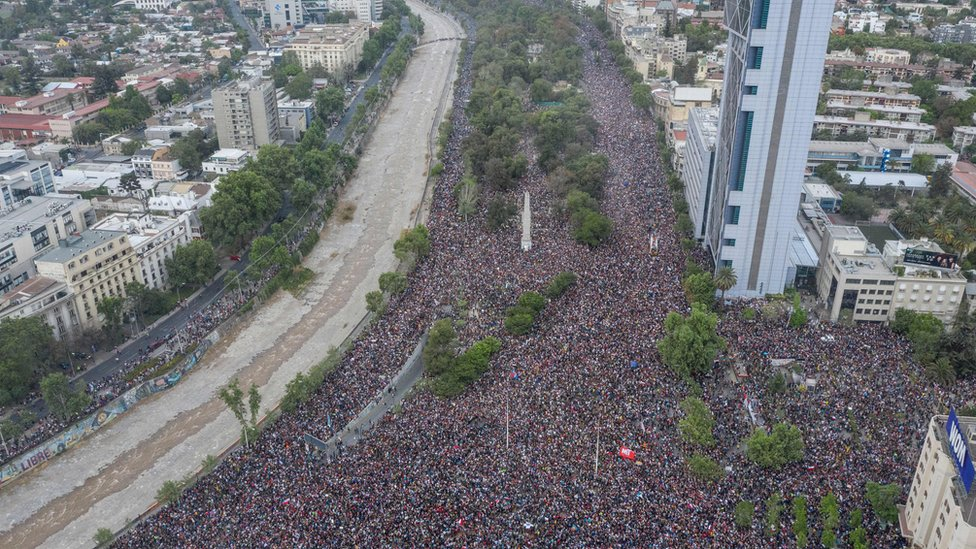 In this aerial view, the size of a protest in Santiago, on October 25, 2019, can be seen