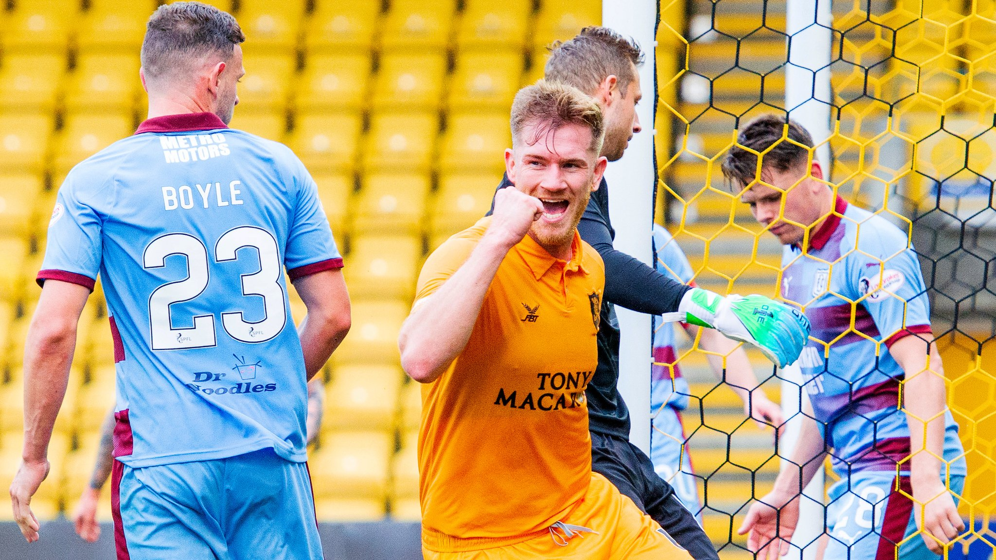 Embarrassing to lose four goals from set pieces at Livi, says Dundee's Spence