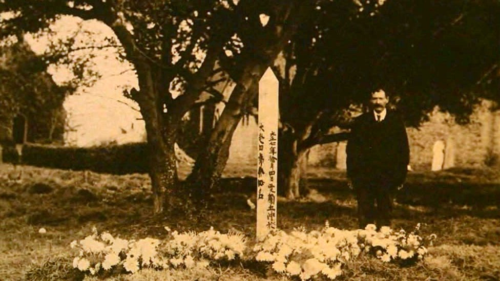 The original memorial at Angle