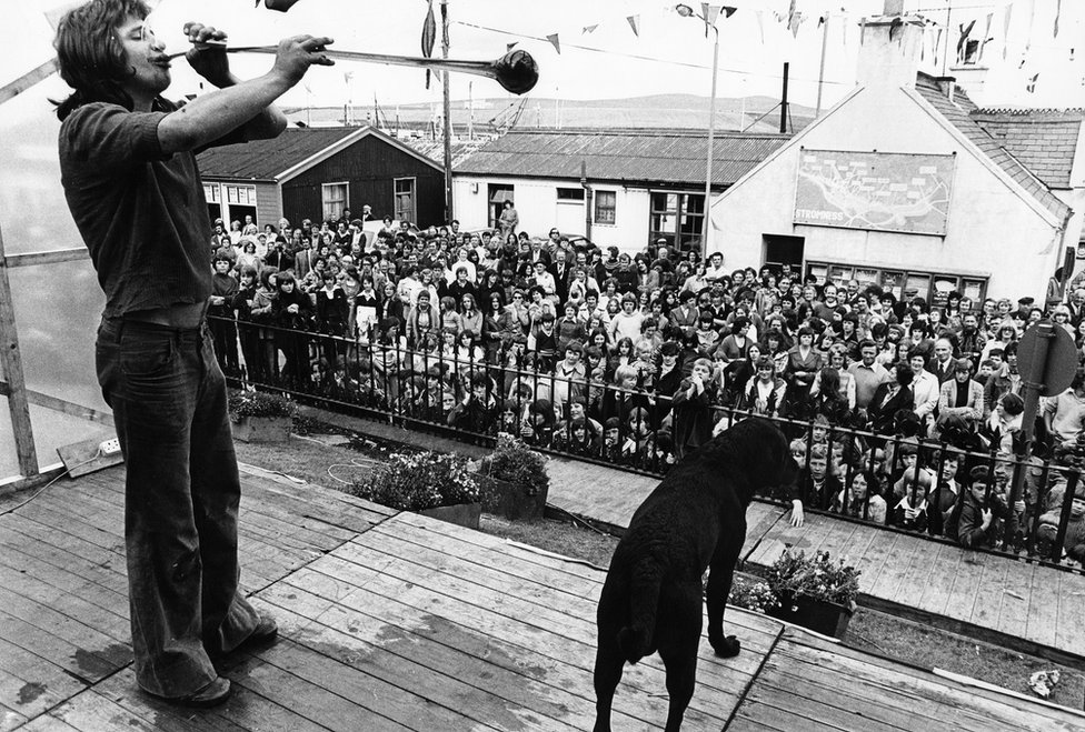 'Yard of Ale' competition, Stromness Shopping Week