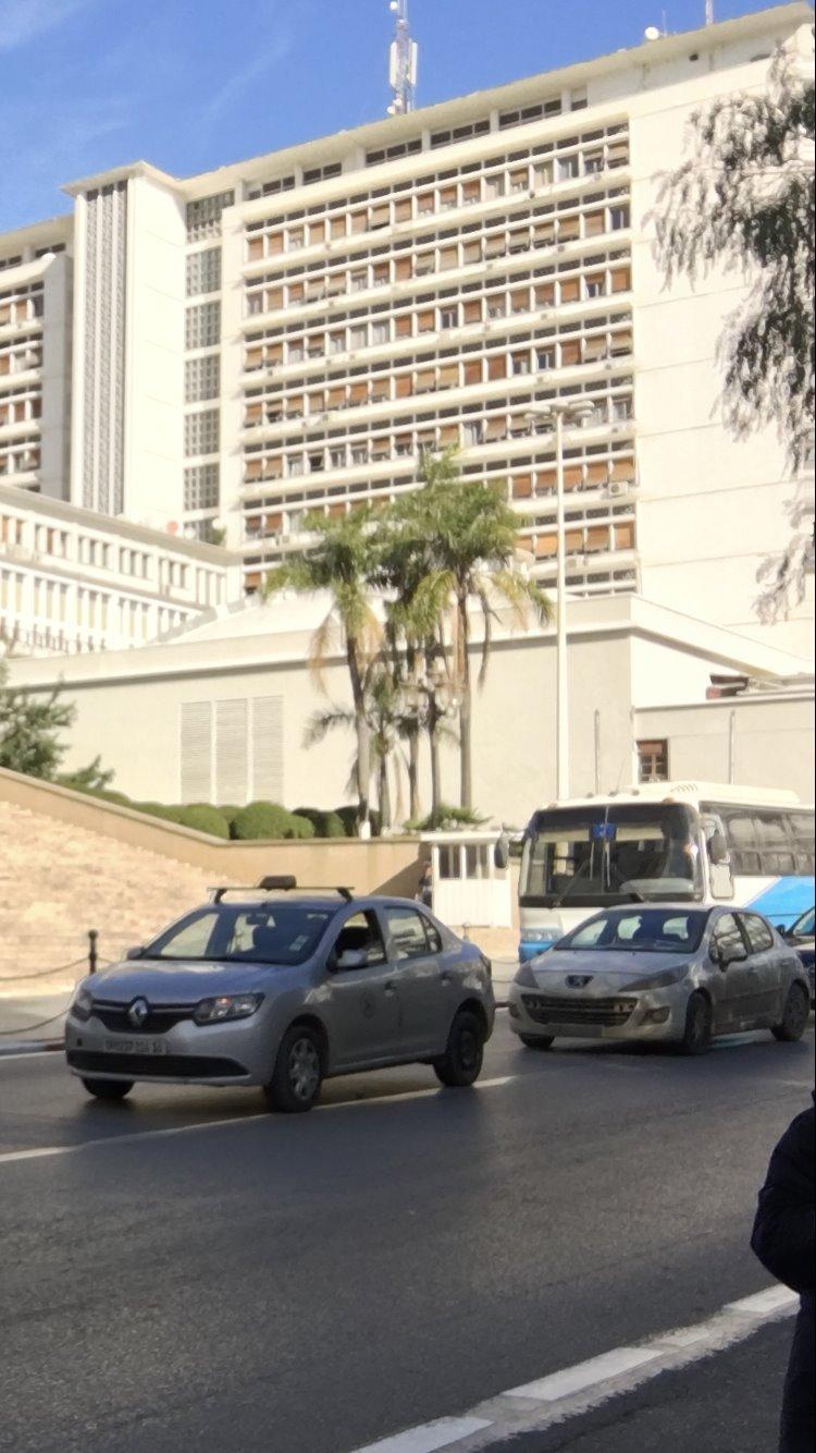 السيارات المستعملة في الجزائر باهظة الثمن ليست في متناول ذوي الدخل المحدود