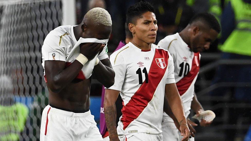 Jugadores peruanos lamentan la derrota
