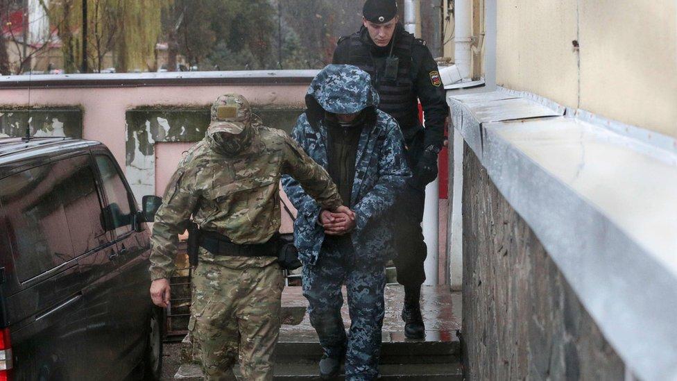 Международный трибунал по морскому праву обязал Россию освободить украинских моряков, задержанных в Керченском проливе
