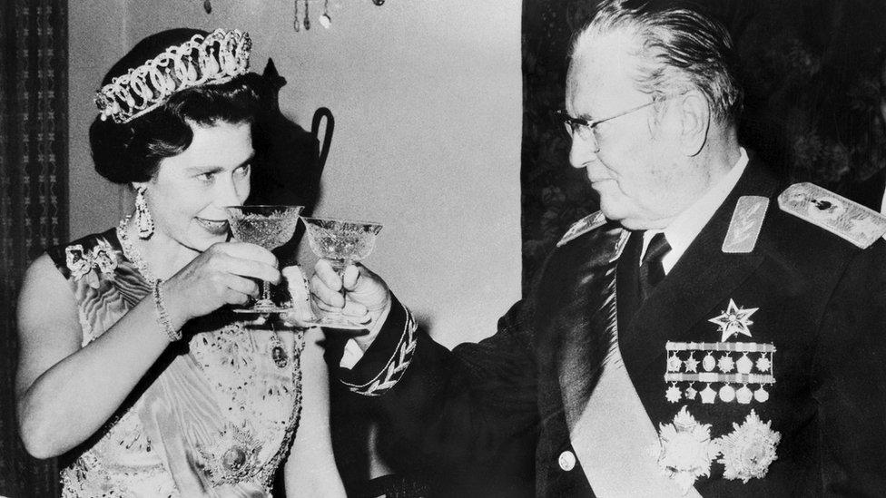 Tito i kraljica Elizabeta
