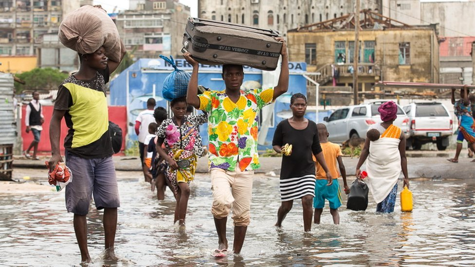 Cyclone Idai: 'Massive disaster' in Mozambique and Zimbabwe