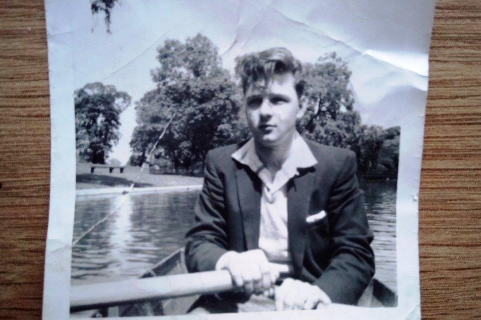 Anthony Griffiths remando cuando era joven