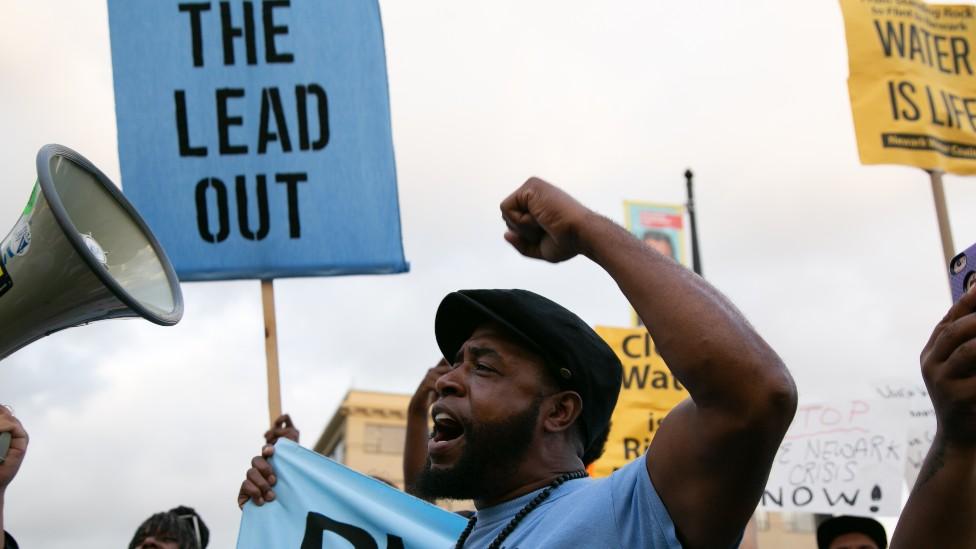 Protestas en Newark, Nueva Jersey, en 2019 por los altos niveles de plomo en el agua