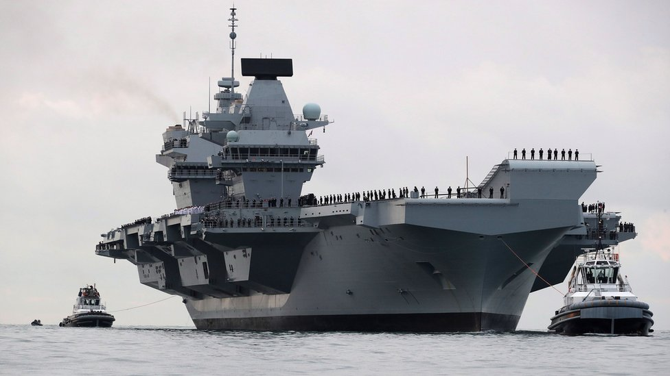 HMS Queen Elizabeth: Fighter jets to land on new aircraft carrier