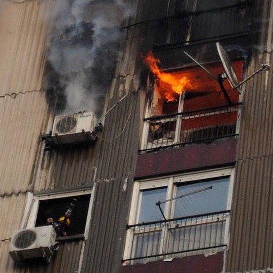 Požar u zgradi koji je pokrenuo stanare