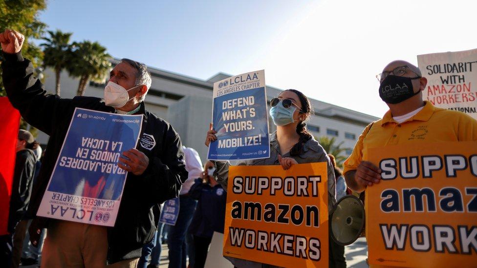 Manifestantes Amazon