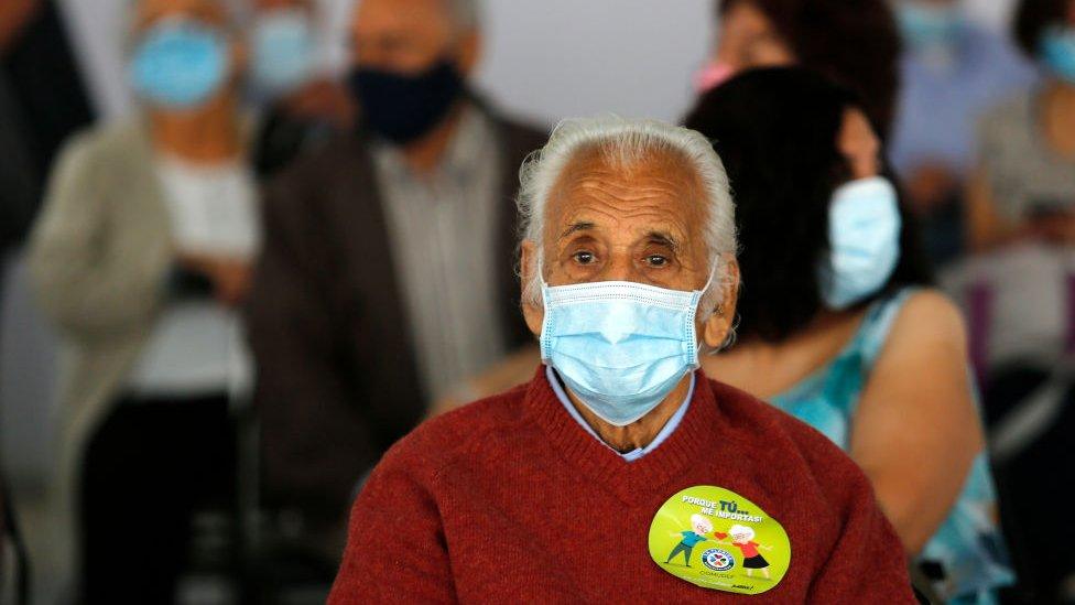 Centro de vacunación contra la covid-19 en Chile.