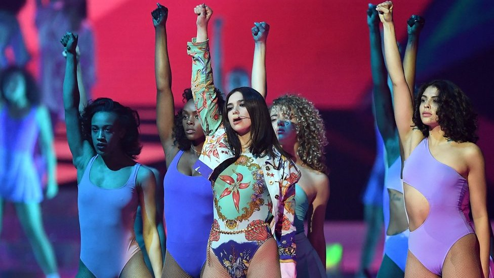 BBC News - Brit Awards 2018: The best pictures from the ceremony