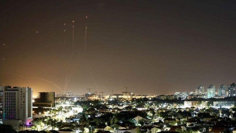 صواريخ في سماء مدينة ليلا
