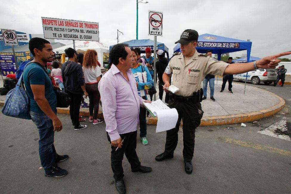 Venezolanos en Huaquillas