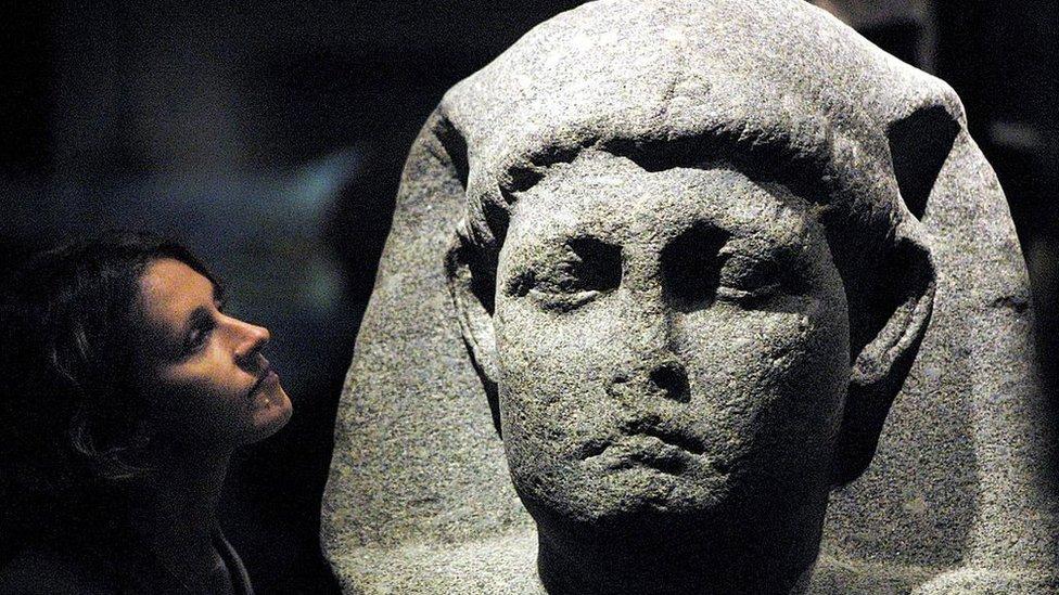 Una estatua de Cleopatra