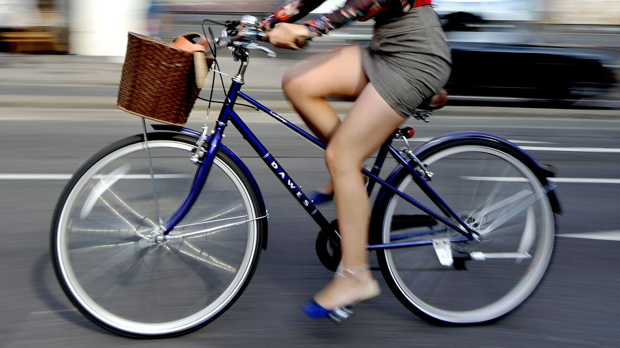 Highway Code may include 'Dutch reach' to keep cyclists safe