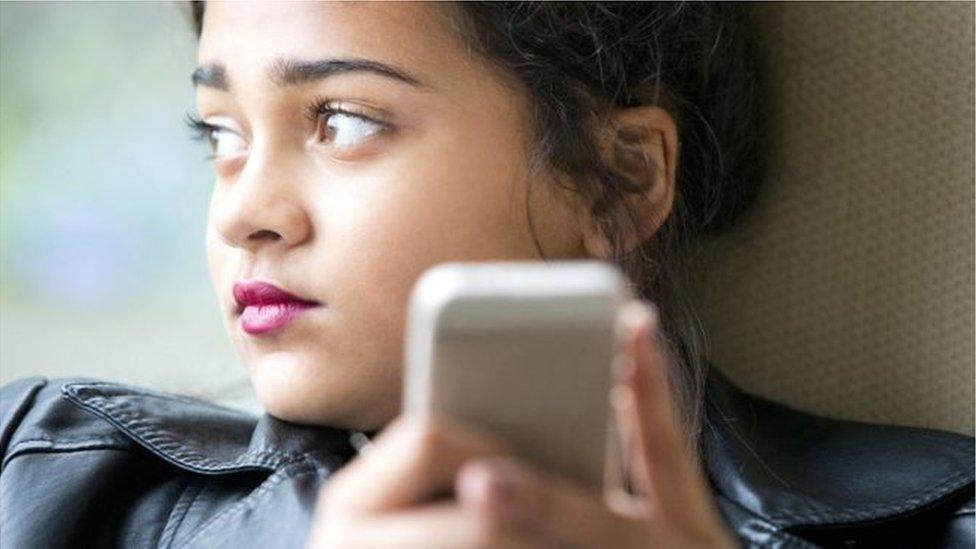 Вересень без соцмереж: користувачів заохочують сісти на цифрову дієту