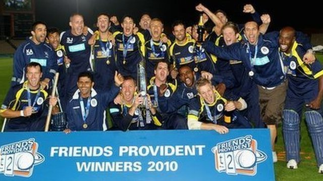 Hampshire beat Somerset after losing fewer wickets in the 2010 Friends Provident t20 Final