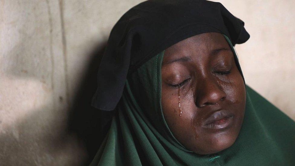 Humaira Mustapha llora el secuestro de sus hijas