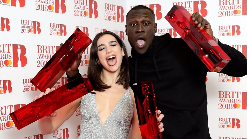 BBC News - Brit Awards 2018 in two minutes: Stormzy and Dua Lipa win big