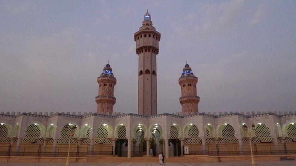 ضريح الشيخ بمبا في مدينة طوبى السنغالية