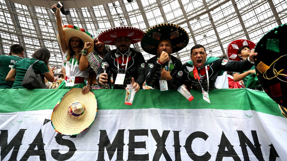 Mientras que en la liga local de México el grito no ha sido sancionado, la Femexfut sí ha sido objeto de multas de la FIFA cuando juega la selección mexicana.