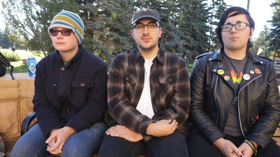 Jess Fahlsing, Carlos Gonzales y Rihanna Kelver