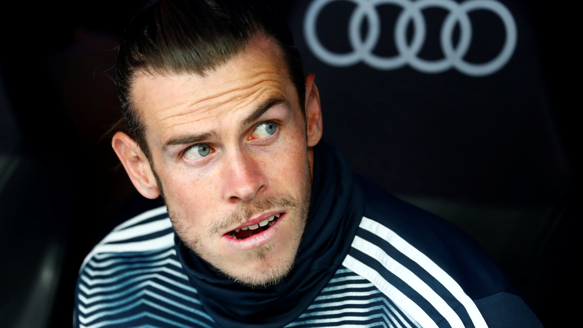 Gareth Bale does not acknowledge fans in final Real Madrid game