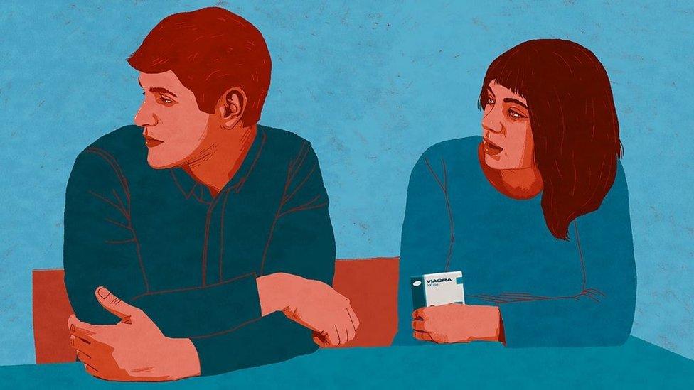 Disfunción eréctil por muchos años - Cigarrillo electrónico contra la disfunción  eréctil