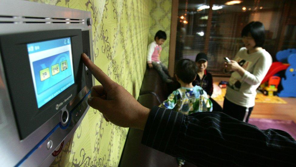 La carrera de EEUU y China por instalar la red 5G de dispositivos ...