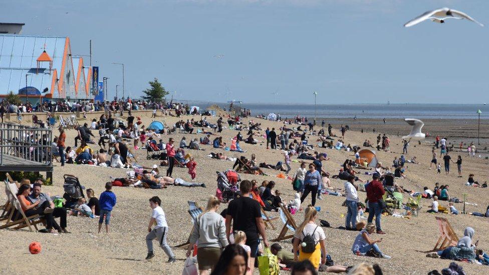 İngiltere'de bir plaj (17 Mayıs 2020)
