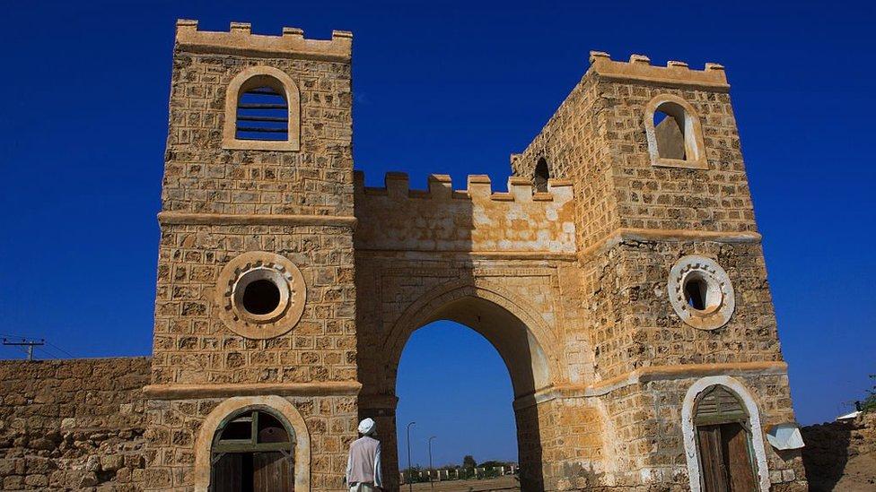ميناء سواكن كان من أهم موانئ السودان في الماضي.