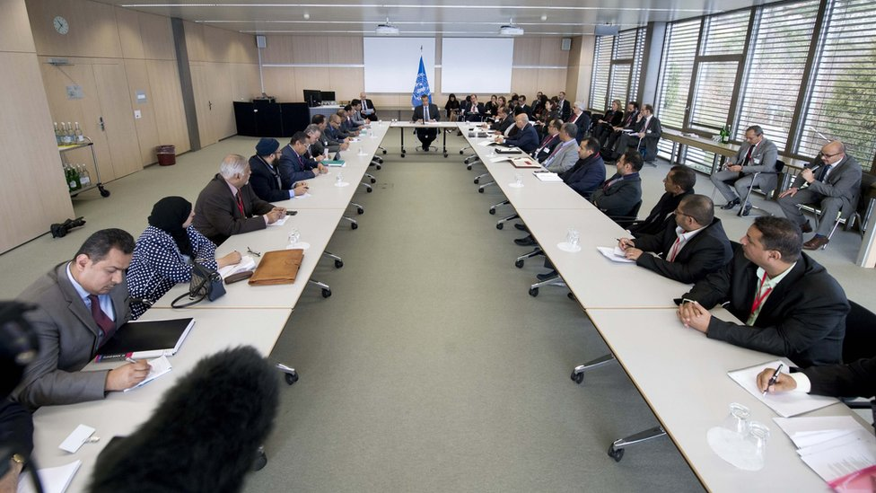 Representatives of Yemen's government, the Houthi rebel movement and the General People's Congress meet at UN-brokered peace talks in Switzerland (15 December 2015)