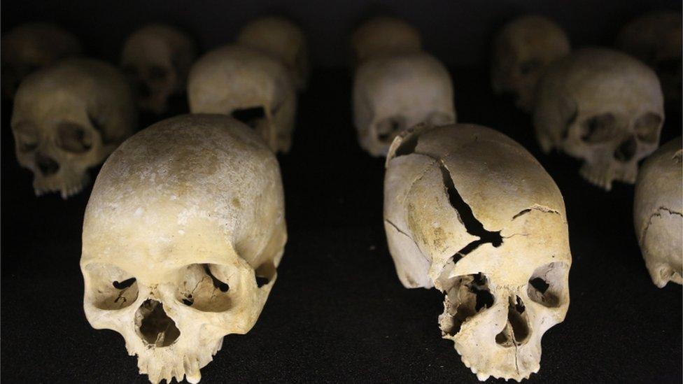 Cráneos en el Memorial del Genocidio en Kigali.